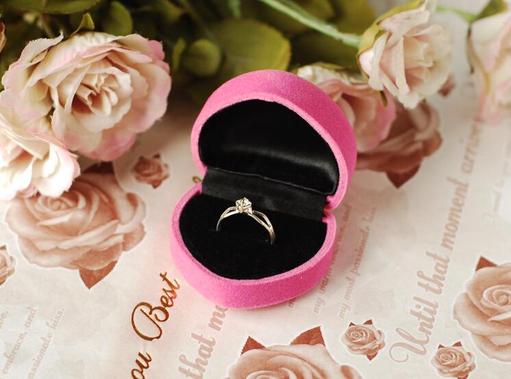 Подарок кольцо в коробке 31