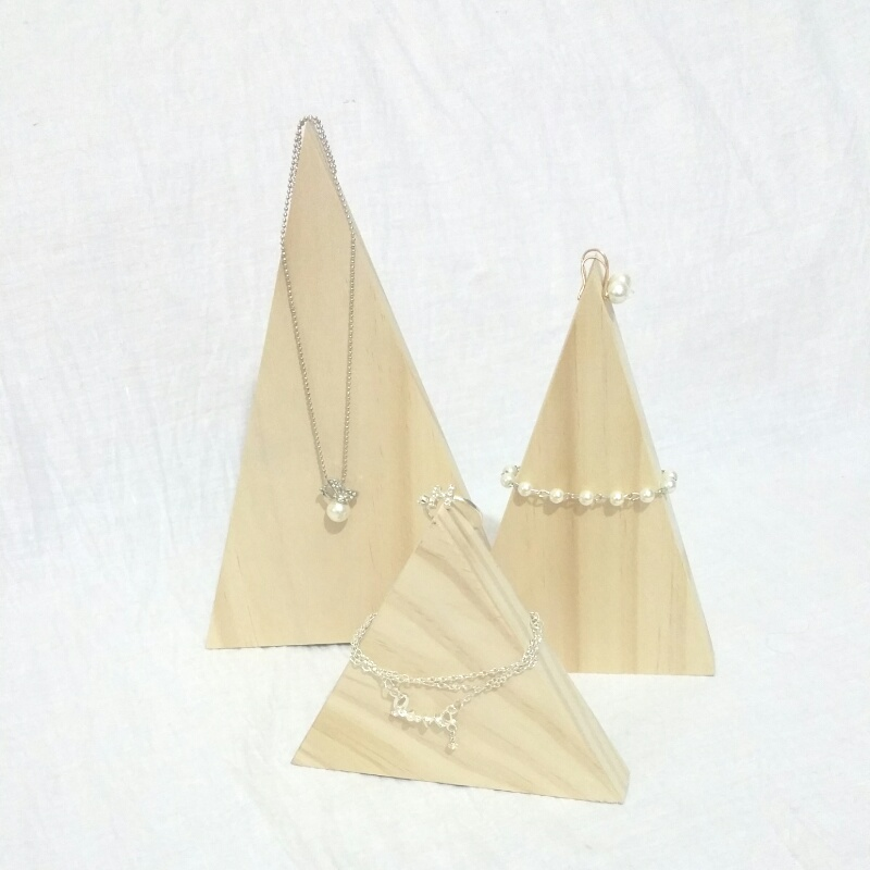 Wood Triangle Necklace Display Holder Chain Display Stand Wood Jewelry Display Stand(China (Mainland))