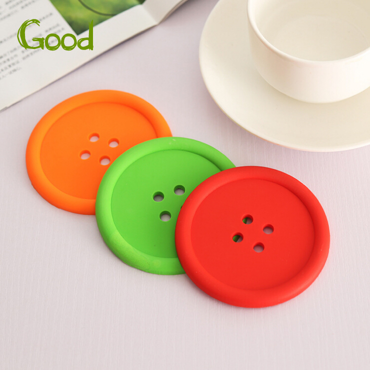 Creative Household Supplies Round Silicone Coasters Cute Button Coasters Cup Mat Random Color(China (Mainland))
