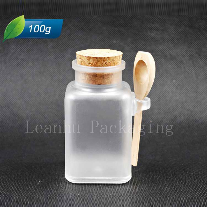 Square 100g X 20 empty bath salt plastic bottle, 100ml transparent mask powder container with wooden cork spoon ,corked tin(China (Mainland))