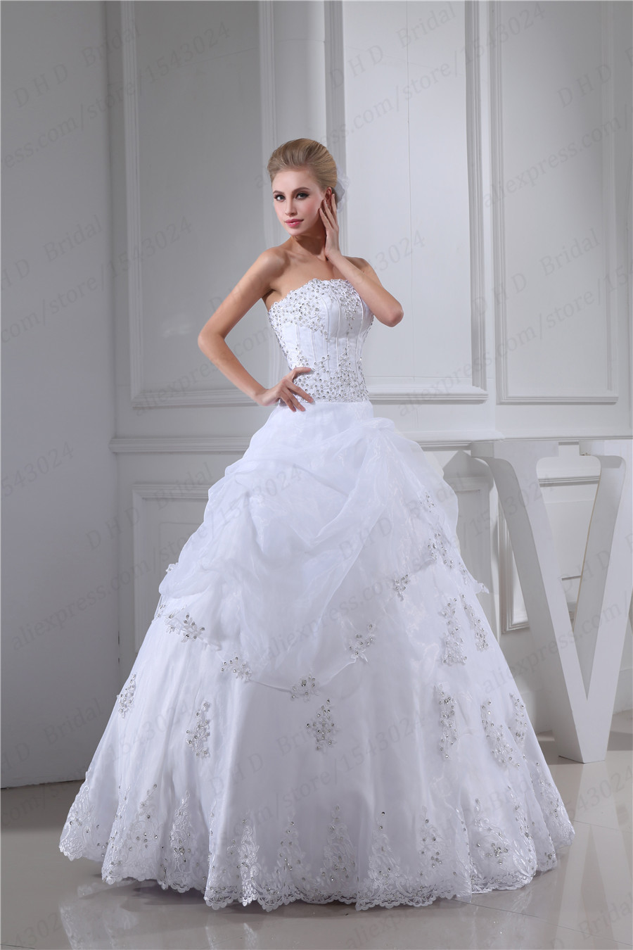 Perfect Looking Elegant Ball Gown Strapless Lace Beaded Organza Lace-up Floor Length Wedding Dress Gown(China (Mainland))
