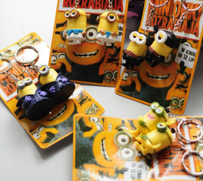 Kids toys 2 pieces Minions 6.5*4.5*5.5cm 3D Eye Despicable Me 2 Minions Figure Key Chains PVC doll Toys Birthday Gift for Kids(China (Mainland))