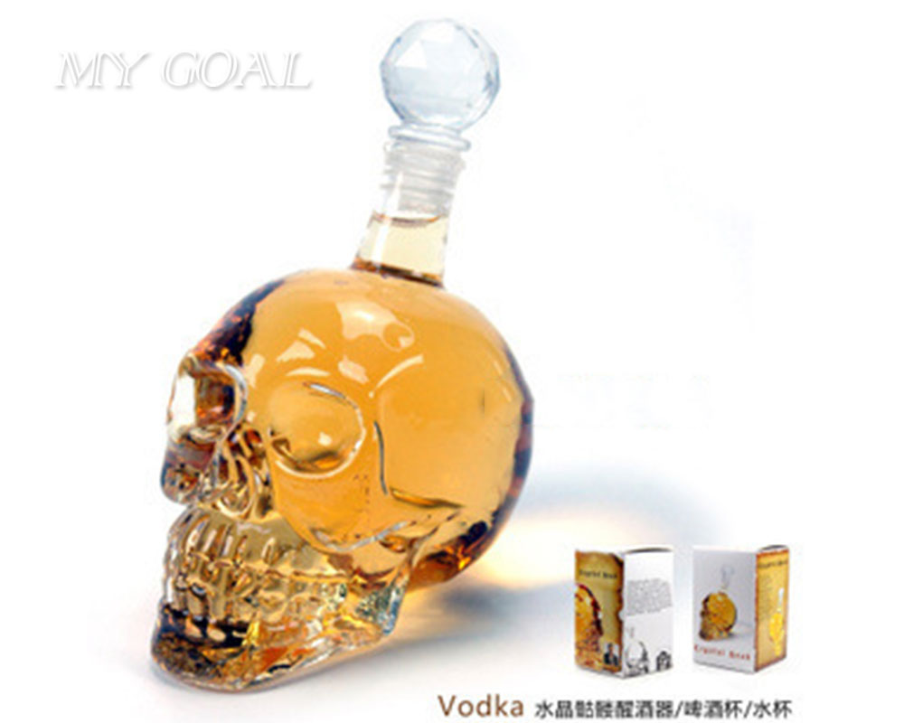 Free Shipping Glass Skull Bottle Creative Crystal Skull Vodka Bottle, 150ML to 1000ML four different sizes Glass CUP(China (Mainland))