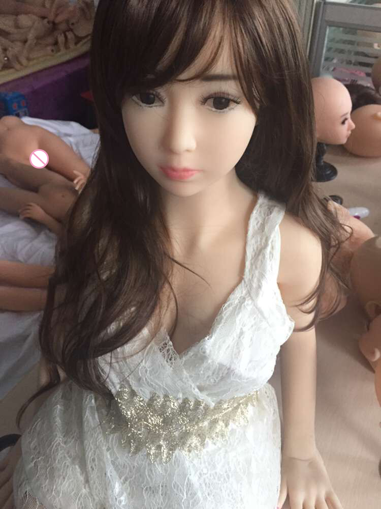 2016 100% New 125cm beauty japanese silicone sex dolls with metal skeleton,real life sex dolls,solid silicone sex doll,sexy doll(China (Mainland))