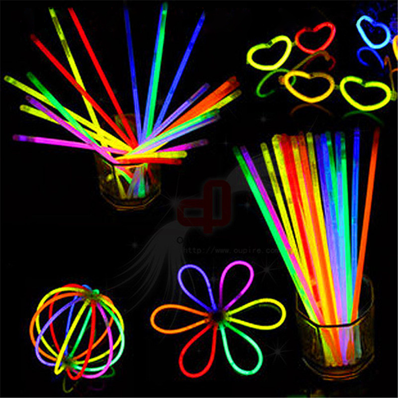 100pcs New Arrival Multi Color Glow Fluorescence Light Sticks Bracelets Necklaces Neon Xmas Party Birthday Bright Colorful Light(China (Mainland))