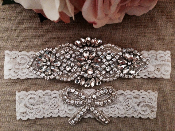 Wedding Garter Bridal Garter Ivory Couture Pearl and Crystal Rhinestone Garter and Toss Garter Set on Ivory Lace 2pcs /lot  Одежда и ак�е��уары<br><br><br>Aliexpress