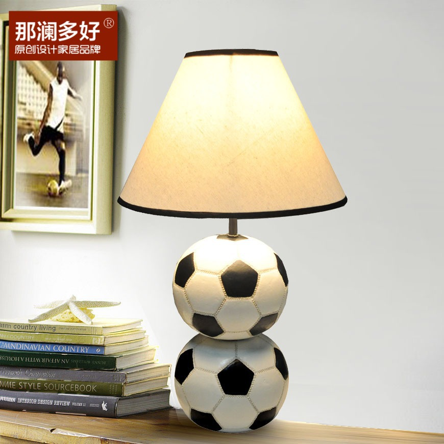 Vente en gros lampe de chevet du football d 39 excellente - Lampe de table enfant ...