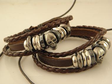 Free Shipping Wholesale Vintage Braided Leather Bracelet Bangle Punk Rock Skull Wristband For Men Bracelets Gift