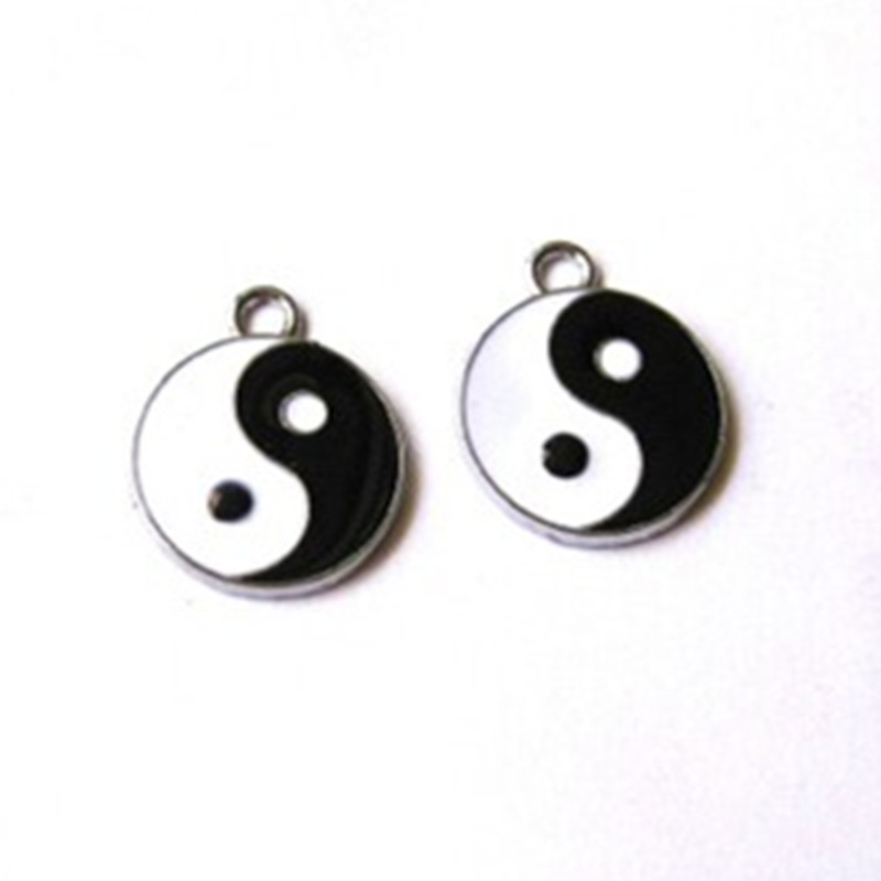 Choker necklace yin yang