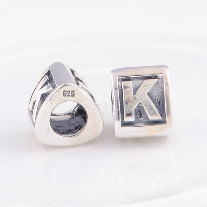 charme pandora lettre k