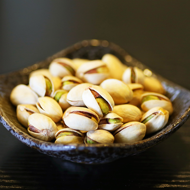 Hot Sale Very Delicious Chinese Snacks Nut Casual Snacks Pistachios Rich in Protein Edible Chestnuts 225g