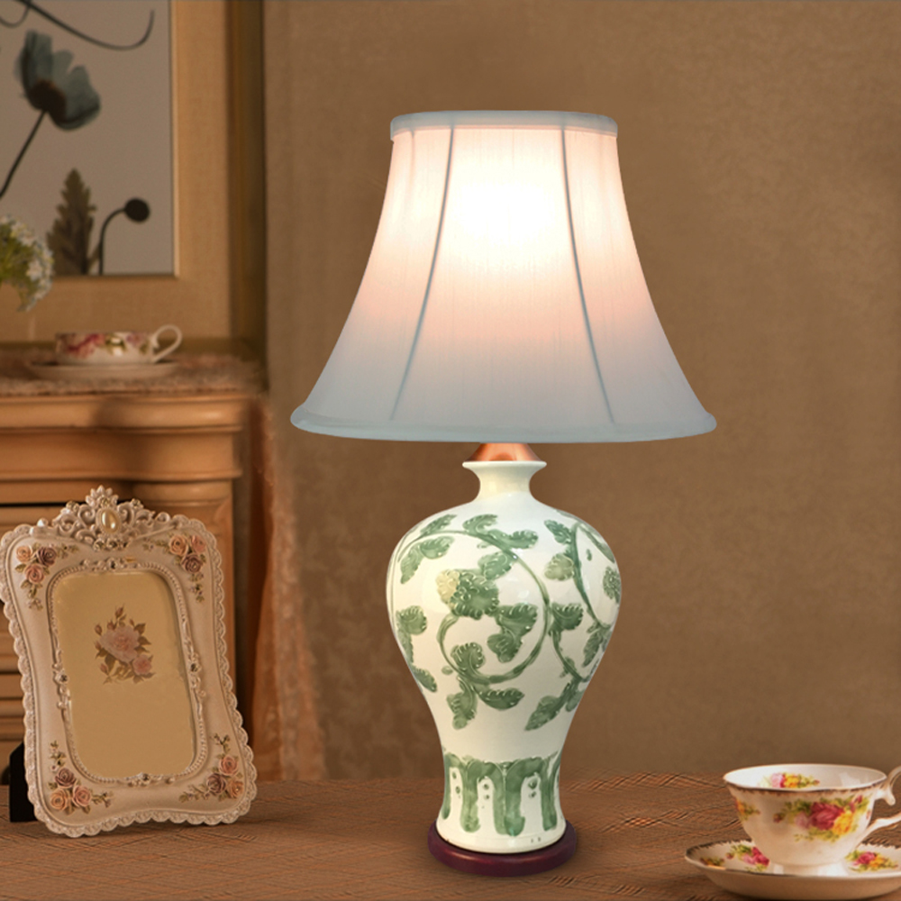 European style 110v 220v light source fabric lampshade ceramic