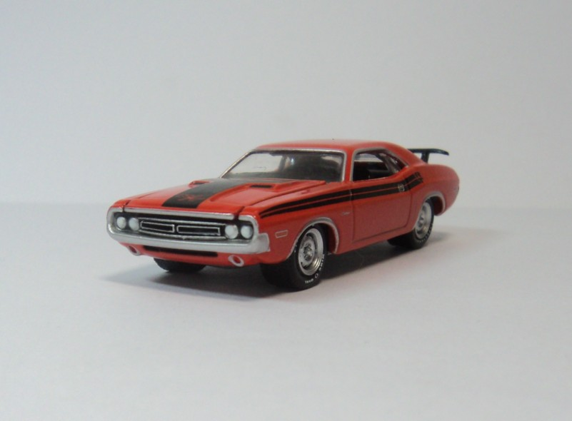 GREENLIGHT 1:64 Dodge Challenger R/T 1971 Dodge Challenger green(China (Mainland))