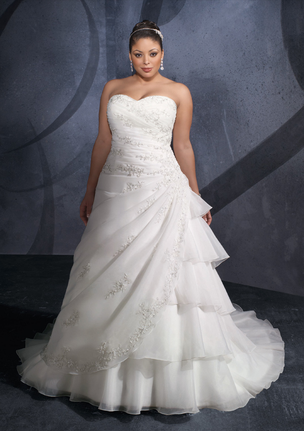 Plus Size Wedding Dress New Sweetheart Neckline Appliques Beaded Lace Up Orga