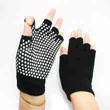 Unisex Anti Slip Fingerless Gloves Sticky Grip For Yoga / Pilates