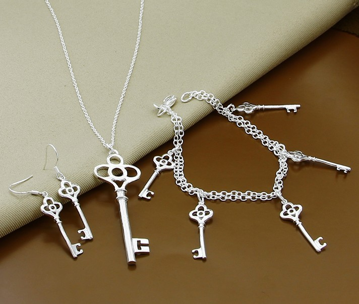 T061Free Shipping,wholesale 925 silver fashion jewelry necklace+earrings+ bracelet sets,Heart key women chains jewelry sets(China (Mainland))