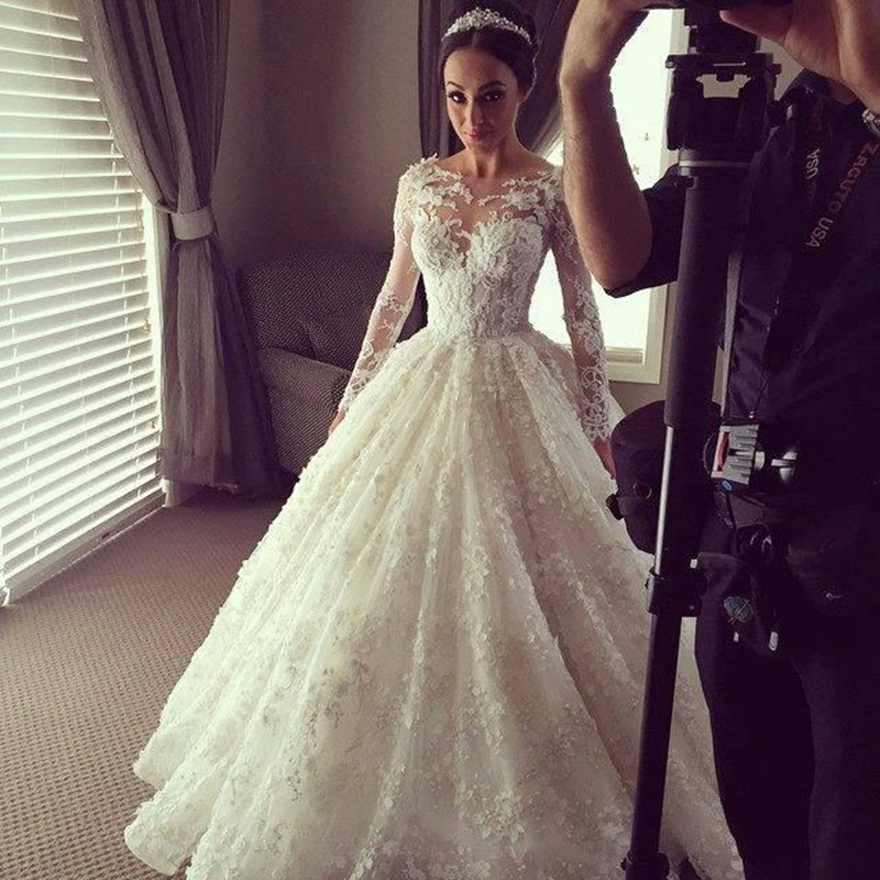 Vintage lace long sleeve wedding dress luxury ball gown for Long sleeve lace wedding dresses