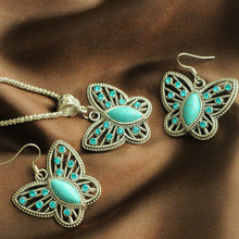Big retro turquoise butterfly bow pendant necklace set chain accessories wholesale national wind female long sweater chain(China (Mainland))