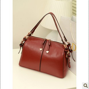 Fashion female 2015 one shoulder portable motorcycle women's handbag Wine red vintage messenger bag(China (Mainland))