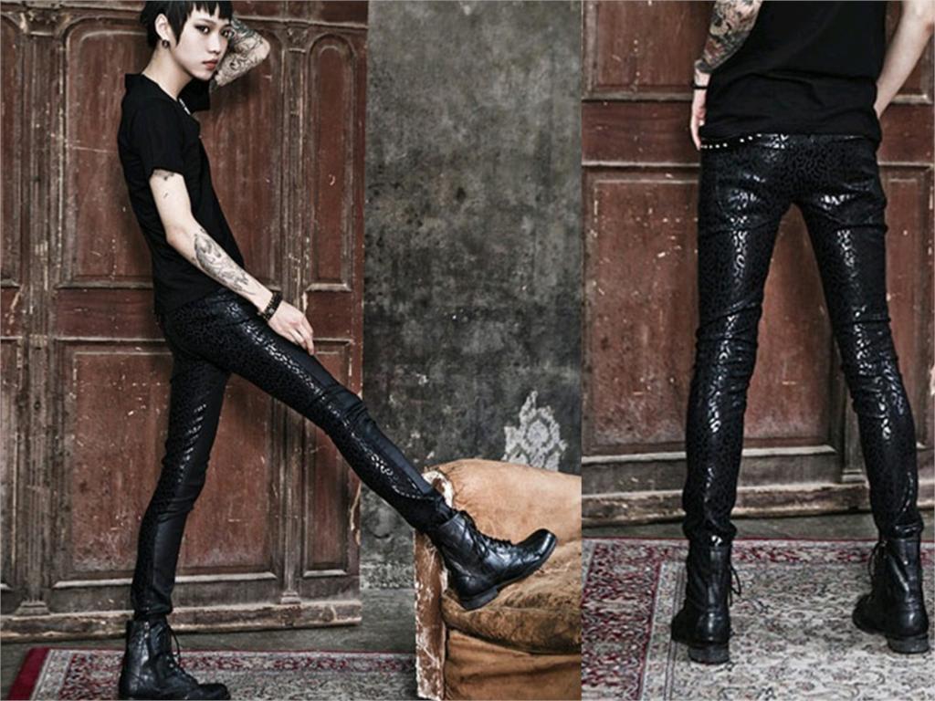 общие фото в кожаных брюках