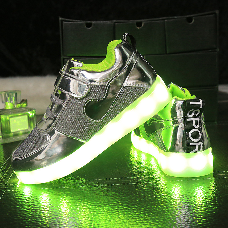 2016 New brand Children Led Lights Shoes Boys Girls USB Charging Light Kids trainers flash Luminous flats Casual running shoes<br><br>Aliexpress