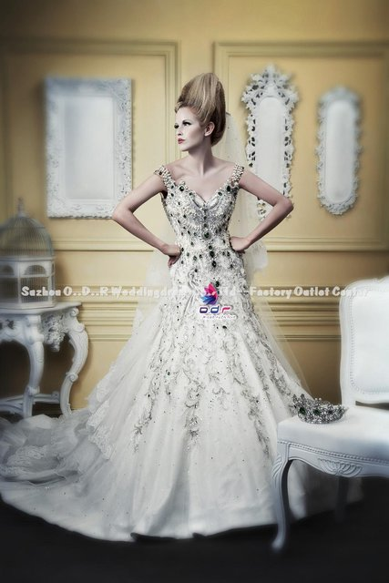 NEW!! LIMITED EDITION FERVENT LOVE Noble Qualities Luxury Enjoyment ! Precious Stone Heavenly Royal Wedding Gown