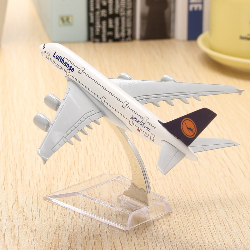 WH A380 Lufthansa Airplane Aircraft Model 16cm Airline Aeroplan Diecast Model Collection Decor Gift Toys For Children(China (Mainland))