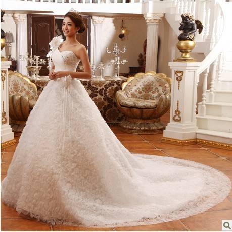 Free shipping 2013 big train wedding dress one shoulder sweet princess luxury long trailing wedding dress