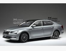 New SKODA SUPERB 2015 1:18 car model alloy metal diecast Shanghai Volkswagen original limit collection gift boy(China (Mainland))