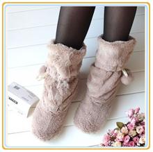 Haus bodenbelag pantoffeln niedlichen plüsch ball innen warme bequem für frau haus fellschuhe herbst winter weiche sohle 2015(China (Mainland))