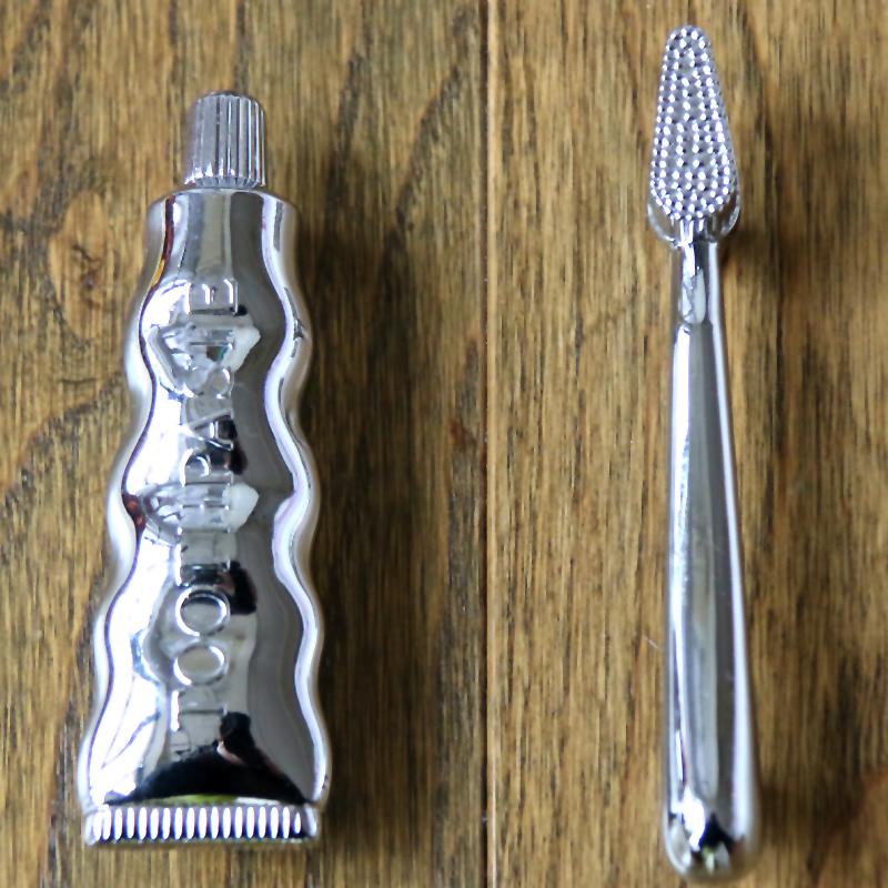 Creative Bright silver Toothbrush& Toothpaste Bathroom Cabinet Pulls Door Handles Drawer Pull handle knobs 76 mm wardrobe pulls(China (Mainland))