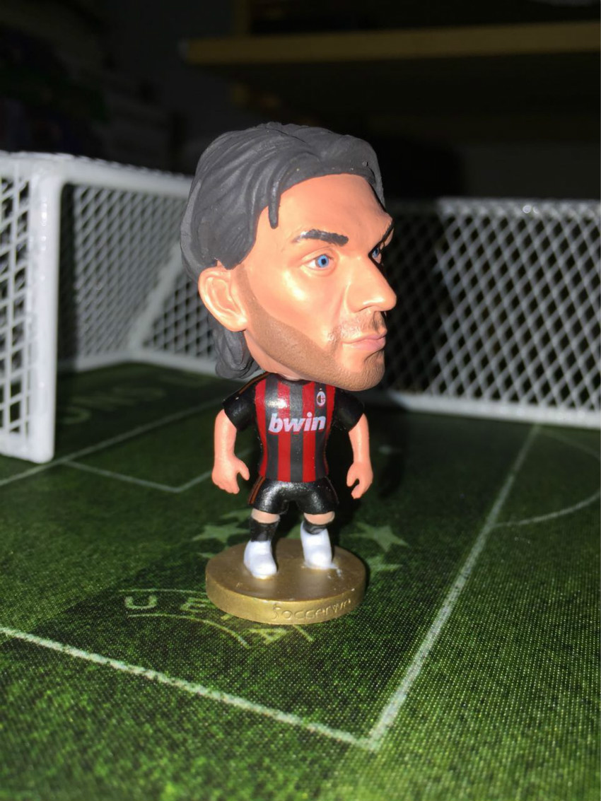 SPORT TIME Soccerwe Serie A Milan 2.55 Inches Height Resin Classic Paulo Maldini 3 Figure Red Black(China (Mainland))
