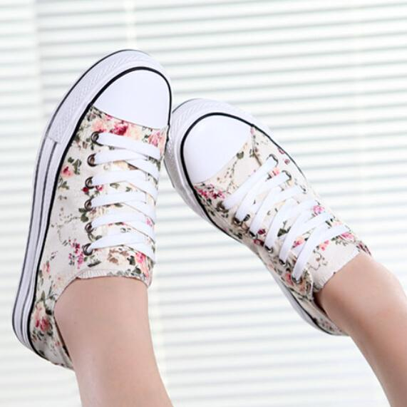 2015 New Brand Style Autumn Summer Flower Low Top Women Sneakers Thick Sole Lace Up Woman