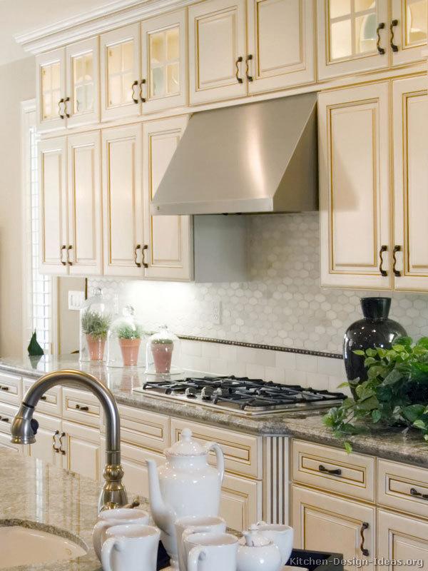 Prodotti per dipingere le piastrelle del bagno - Dipingere piastrelle cucina ...
