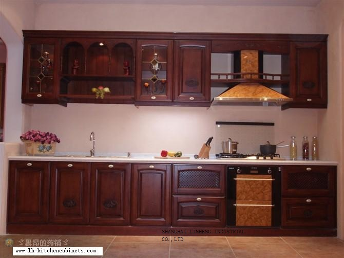 Solid wood high quality kitchen cabinet lh sw024 on for Quality kitchen cabinets