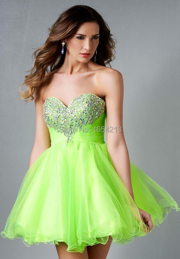 Vestidos de color verde manzana