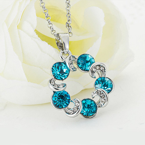 [MASCUBE]Women Clouds Crystal Necklace Korea Clavicle Chain Sweet Flower Small Necklaces 2016 Spring Collection Jewelry(China (Mainland))