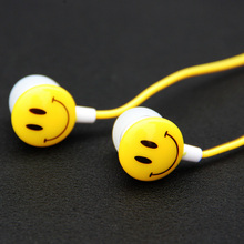 New Style 3.5mm In Ear Smile Face Earphones Headsets For PC For Mobile Phones Music and Sports(China (Mainland))