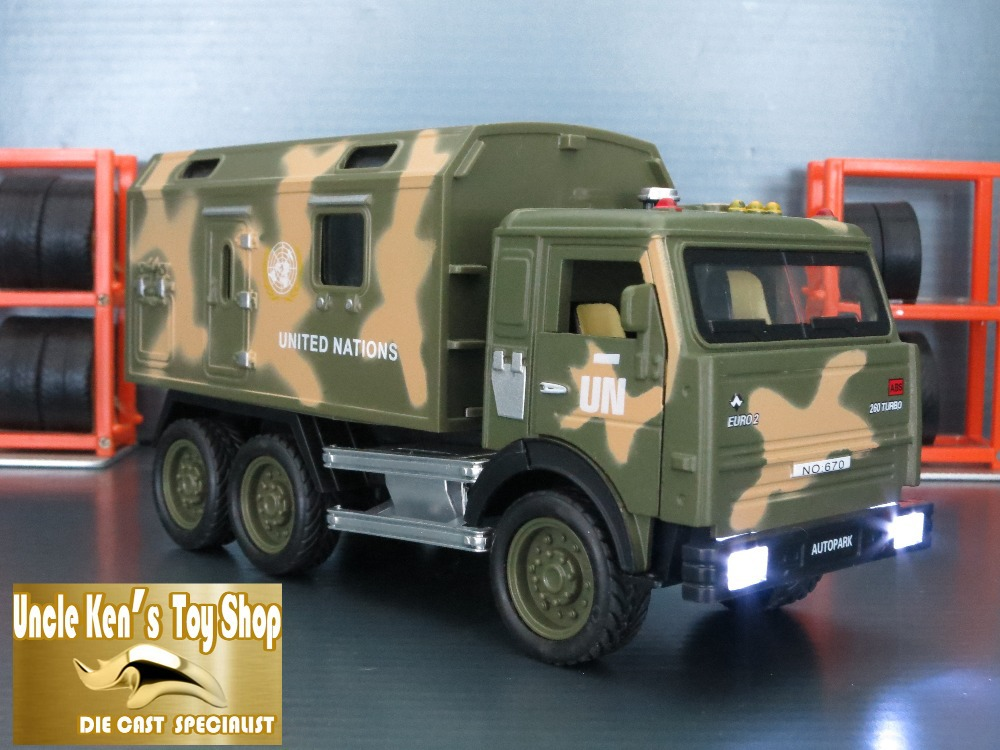 1:32 Diecast metal collection model KAMAZ Military Miniature Truck toy with pull back function/music/light for kids as gift(China (Mainland))