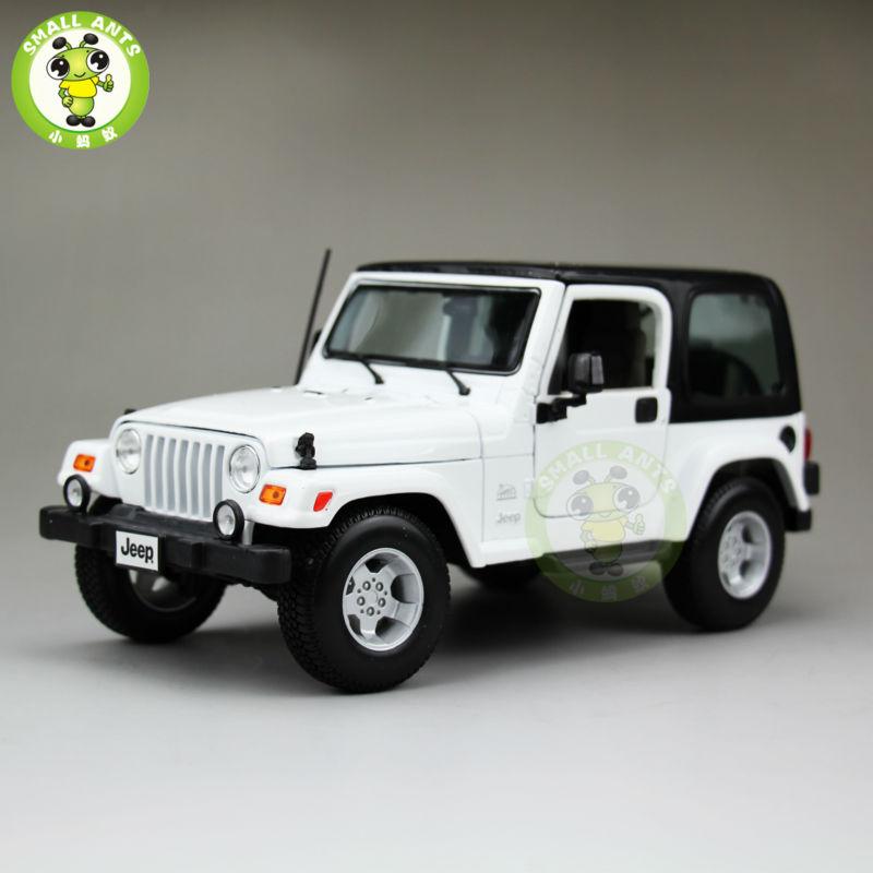 1:18 Scale Jeep Wrangler Sahara Diecast Car Suv Model Maisto 31662 White&Black(China (Mainland))