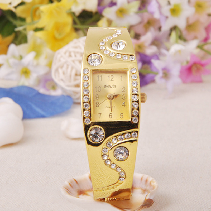 Гаджет  Free Shipping 2015 New Hot Fashion Women Bracelet Bangle Wave Rhinestone Crystal Wrist Watches Accessories None Часы