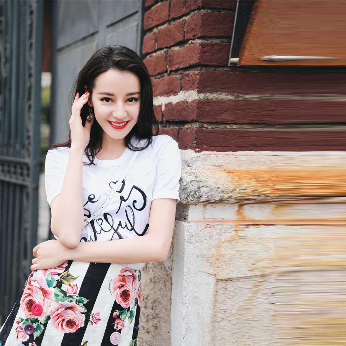 Dilireba та же Роза полосатая пуговица украшенная A half юбка 2019 Line Цветочная 1236.jpg