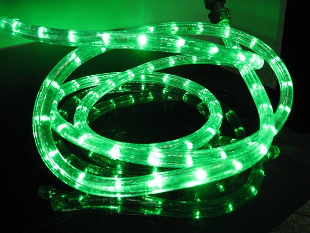 100m/roll LED 2 wires round rope light;36leds/m;13mm diameter;DC12V/24V/AC110/220V are optional;green color