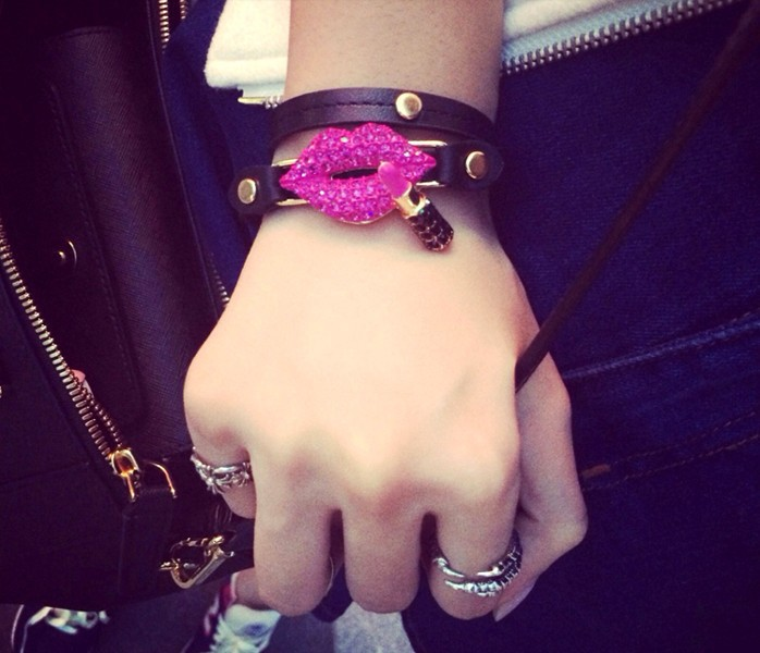 Free Shipping New Arrival Lips And Lipstick Design With Plaited Style Women bracelet(China (Mainland))