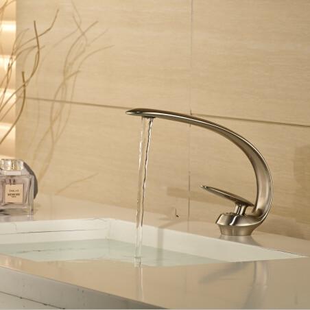 2015 New NIckel basin mixer washbasin design Bathroom faucet mixer waterfall Hot and Cold Water taps for basin of bathroom(China (Mainland))