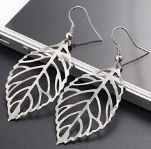 Noble Vintage Leaf Earring 2016 New Design Bohemian Hollow Dangle Drop Earrings Charm Jewelry For Women Wholesale Hot sale E522(China (Mainland))