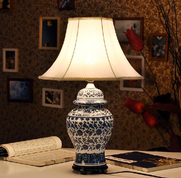 Chinese antique ceramic table lamp desk lamps(China (Mainland))