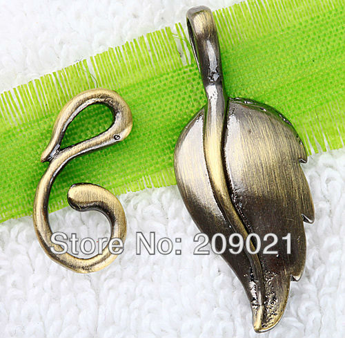 50Set Antique Bronze Leaf Toggle Clasp Jewelry Finding