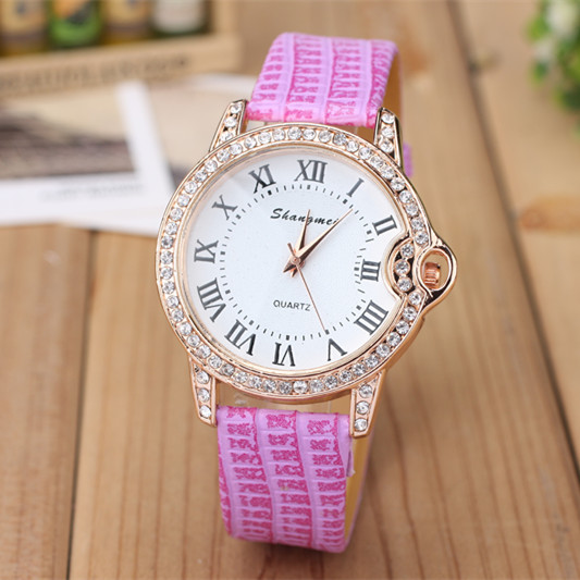 In 2015, the latest fashion leisure ladies quartz costly set auger ms Roman numerals dial watch, free shipping(China (Mainland))