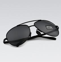 2015 nuevos hombres de la marca de gafas de sol polarizadas gafas de sol marco de la aleación de conducción deportiva exterior gafas de sol masculino